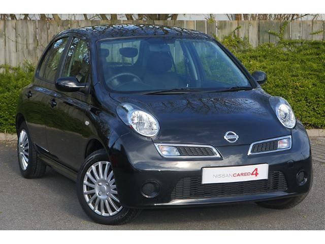 Nissan Micra -- Japoneses Hatchback Vehicle